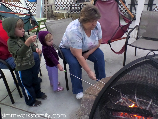 Capturing Summer Moments with Samsung making smores