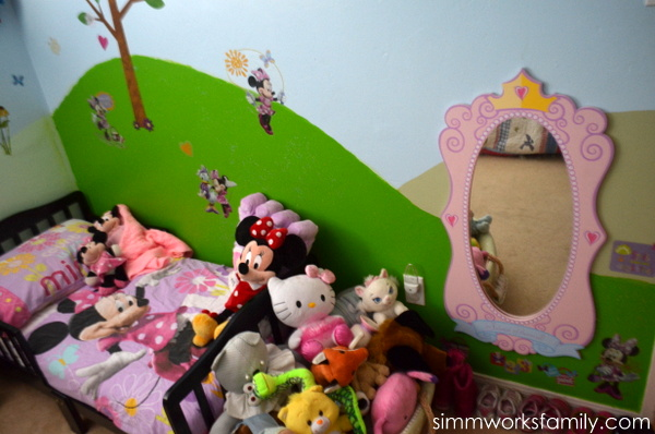 Glidden Disney Paint Minnie Mouse Makeover - bed stuffed animals