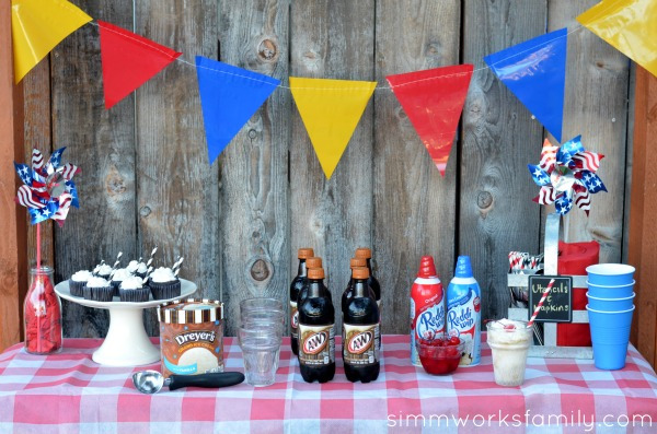 Root Beer Float Party dessert table