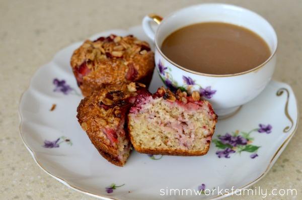 Strawberry Muffins with Greek Yogurt and coffee