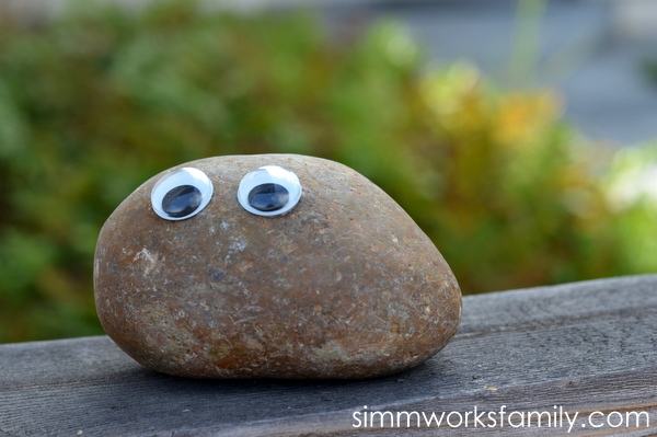 ways to get outdoors with kids - pet rocks