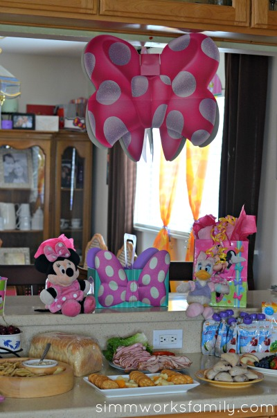 minnie mouse summer party 6