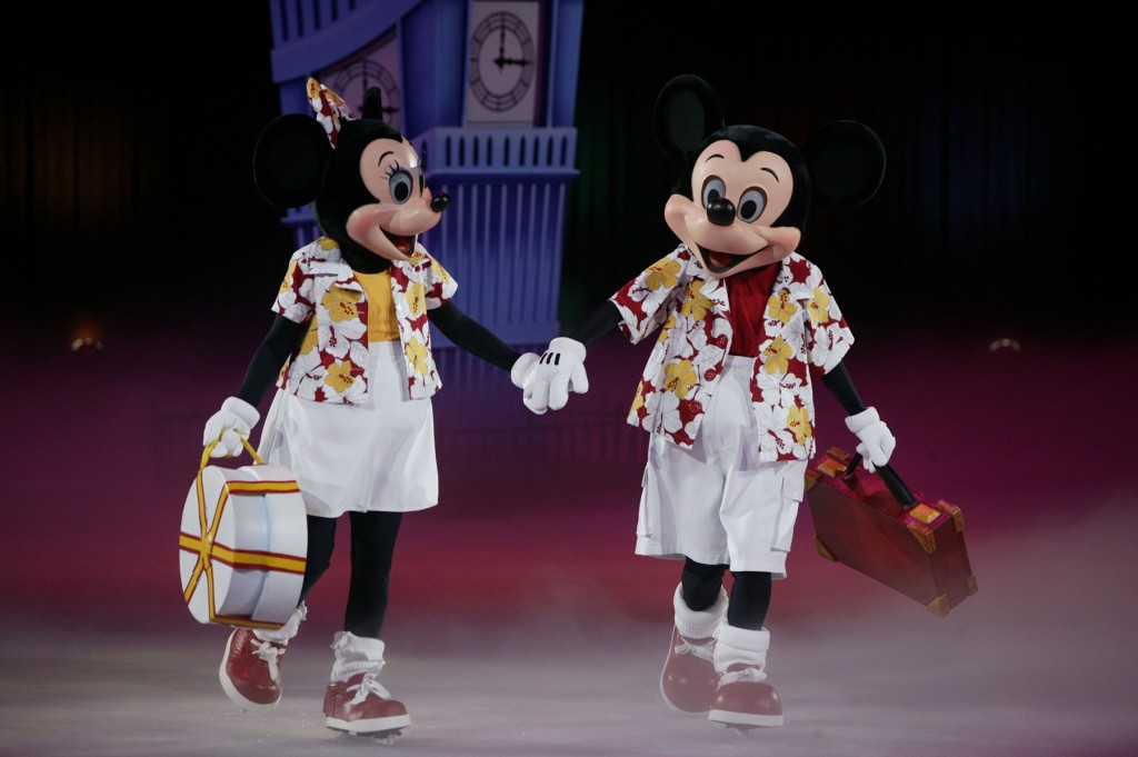 Disney On Ice Passport to Adventure Minnie and Mickey
