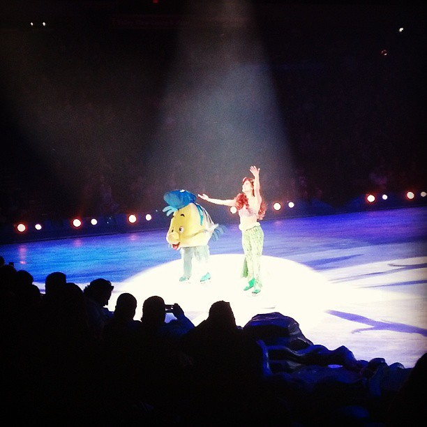 Disney on Ice Ariel and Flounder