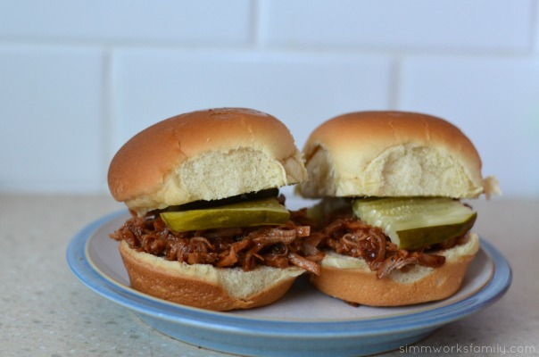 mini pulled pork sandwiches 2