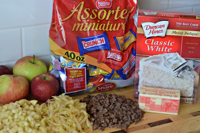 Candy Apple Dump Cake ingredients