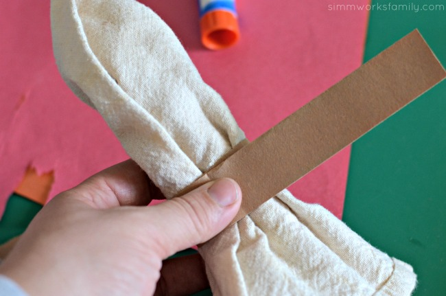 Turkey Napkin Rings measure and cut paper