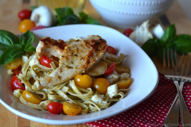 quick dinner recipes chicken pasta close up #shop #sauteexpress