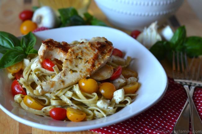 quick dinner recipes chicken pasta close up #shop #sauteexpress