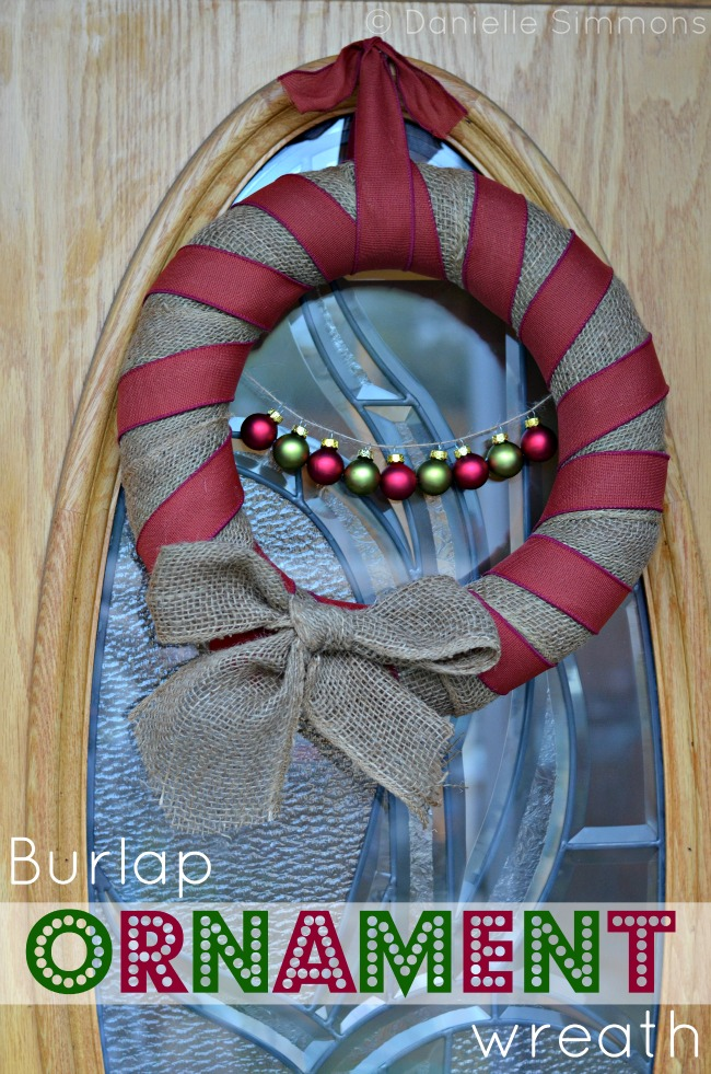 DIY burlap Christmas wreath tutorial