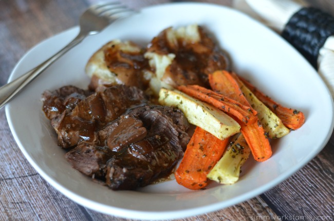 Campbell's Slow Cooker Sauces tavern style pot roast and veggies #CampbellsSkilledSaucers