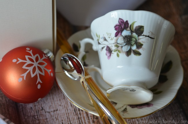 Perfect Hostess Gift for Tea with Bigelow tea cup and saucer #AmericasTea #shop