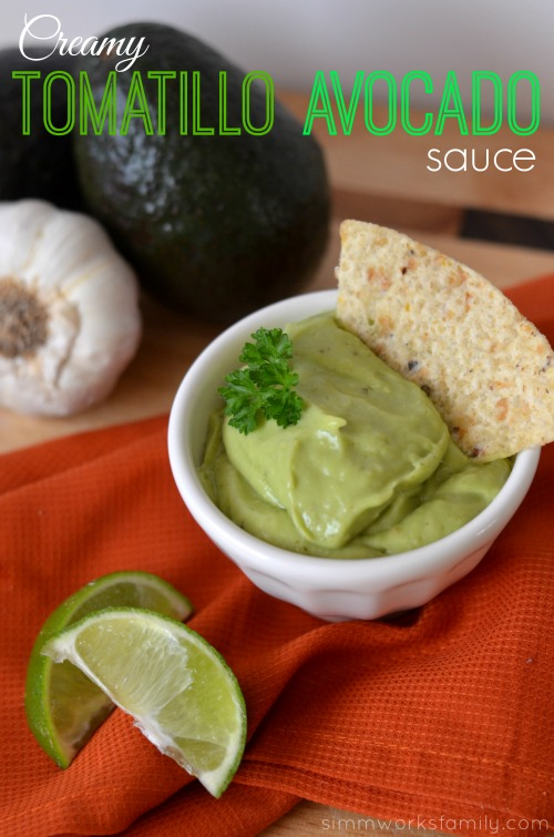 creamy tomatillo avocado sauce with chips #SauceSquad #BottledAwesome