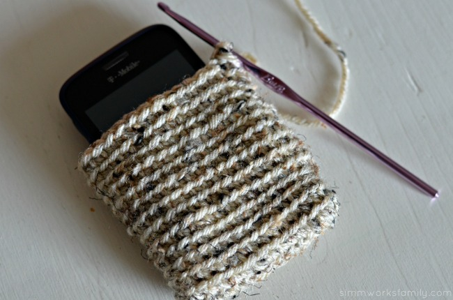 crochet instagram phone cover tan bottom