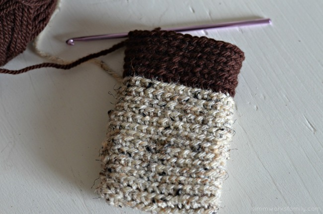 crochet instagram phone cover without embellishments