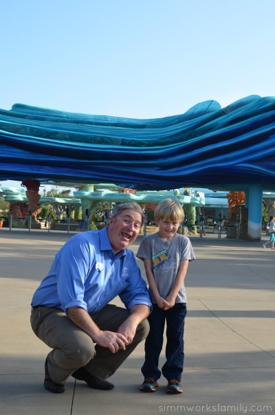 SeaWorld San Diego Explorers Reef Mr Mike the fishes guy with Ethan
