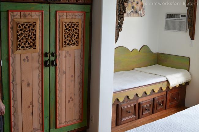 Seaside Wellness Weekend Getaway in Del Mar - Lotus Room wood detail