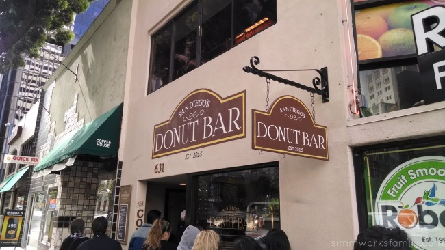 Donut Bar San Diego Line Outside