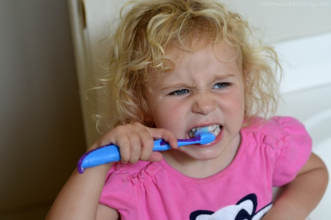 Dental Care Tips for Parents - brushing correctly