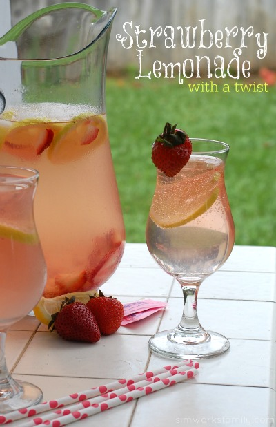 Strawberry Lemonade with a Twist Drink Recipe #SweetNLowStars