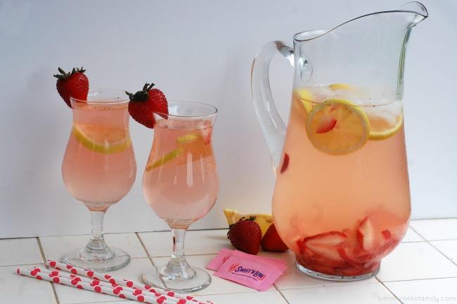 Strawberry Lemonade with a Twist #SweetNLowStars