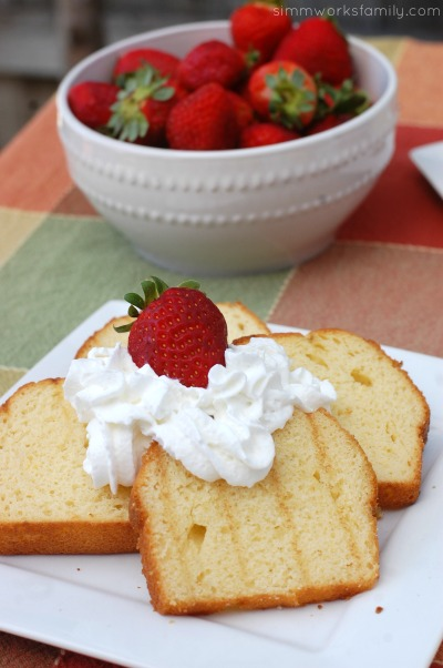 Easy Dinner Ideas On The Grill - grilled pound cake with strawberries