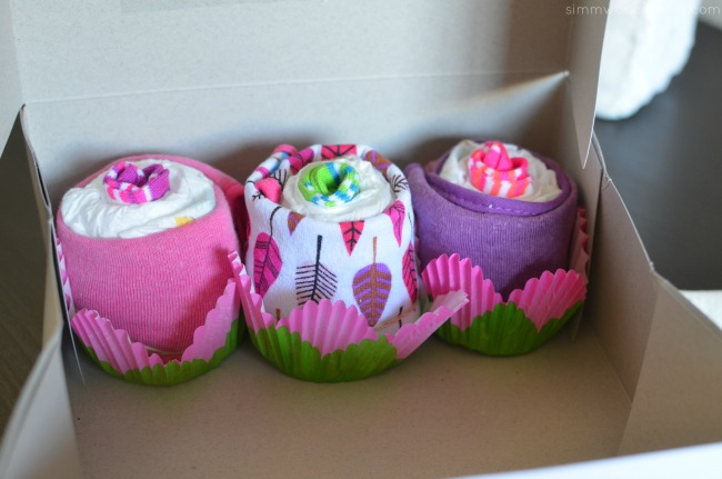 How to Make Diaper Cupcakes - cupcakes in cake box