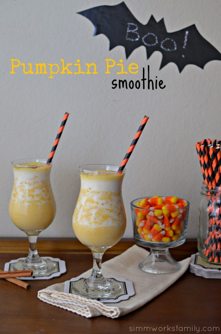 Pumpkin Pie Smoothie - a healthy, delicious way to drink pie #SweetNLowStars