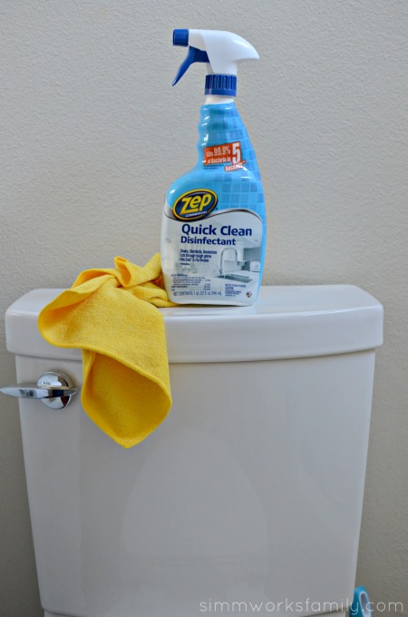 5 Tips for Cleaning The Bathroom - Zep disinfectant #TryZep