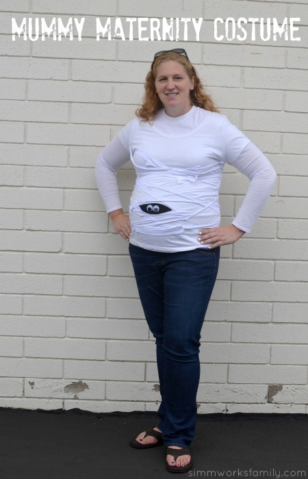 Last Minute DIY Mummy Maternity Costume