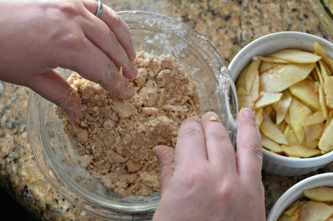 Oatmeal Recipes Quick and Delicious Apple Crisp - mixing together the topping