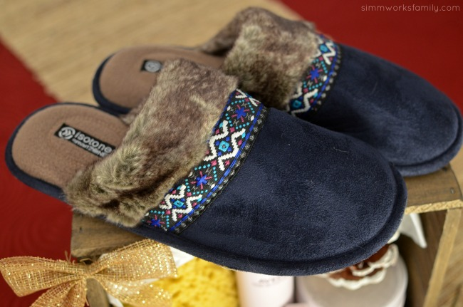 The Perfect Pampering Gift Set - isotoner slippers