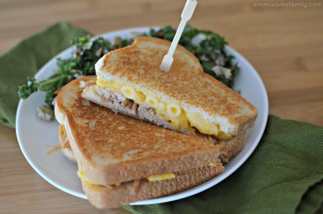 Grilled Pulled Pork and Mac and Cheese Sandwich Recipe #CampbellsSauces