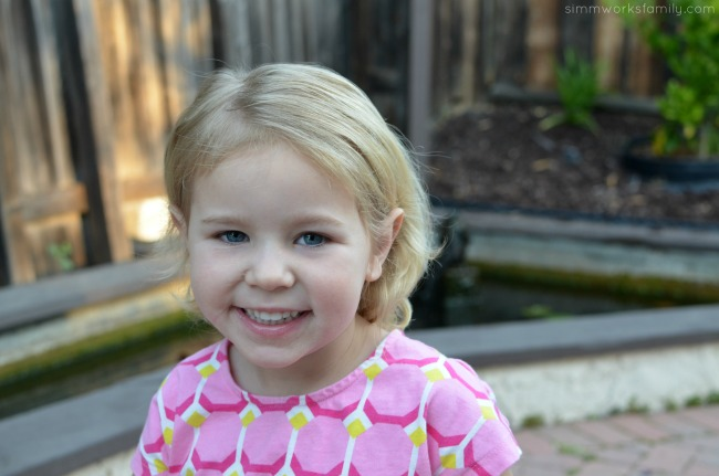 How To Tame The Mane Curly Hair Tips for Kids - get a wet brush