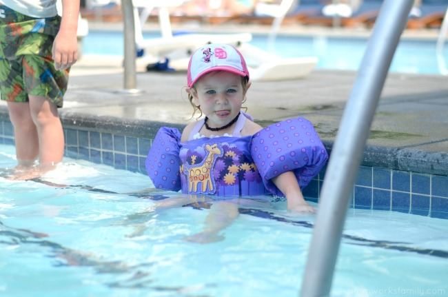 5 Kid Pool Rules For Summer - floaties on