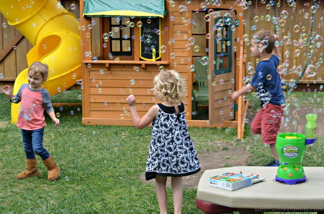 Tips for Hosting A Playdate - bubbles and other activites