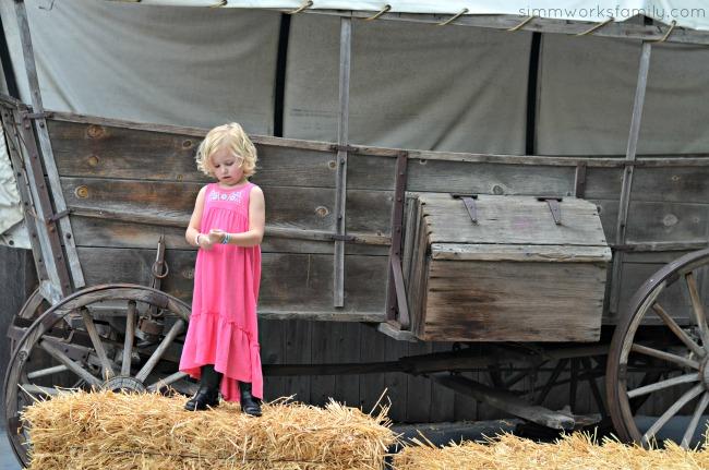 OshKosk Play at Knott's Berry Farm