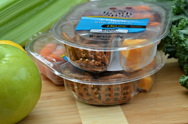 Easy Snack Ideas - pretzels, cheese, carrots, and grapes