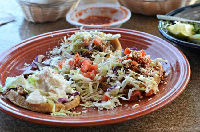 Cafe Coyote Old Town - Sopes De Carnitas