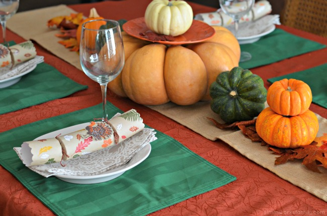 Creating The Perfect Thanksgiving Tablescape - a simple, easy idea for Thanksgiving dinner