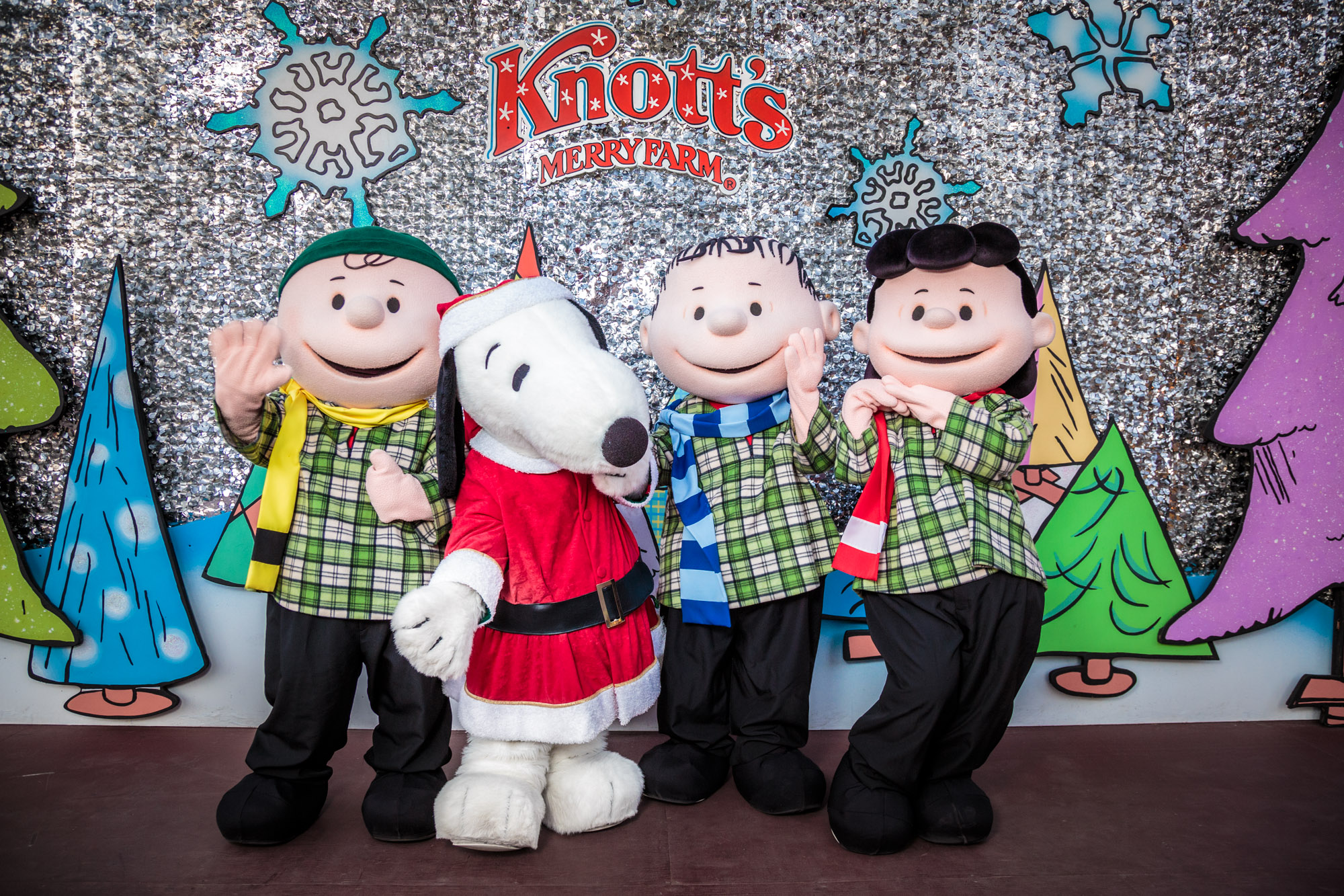 Knott's Merry Farm Peanuts Characters