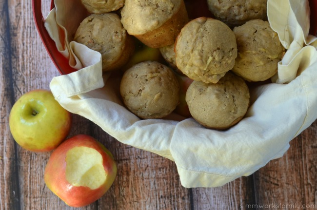 Apple Granola Muffins with cinnamon