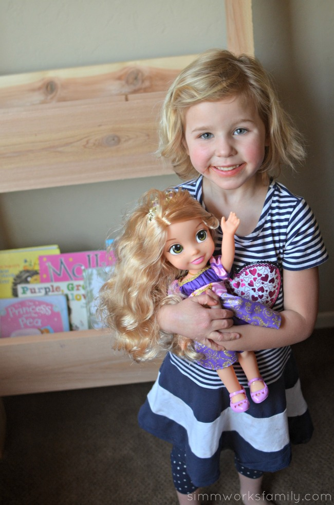 DIY Vertical Toy Storage disney princess royal shimmer dolls