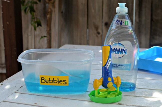 2-Ingredient Homemade Bubble Solution