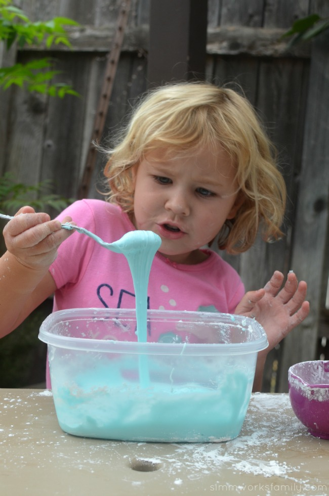 2-Ingredient Silly Putty - playing with silly putty