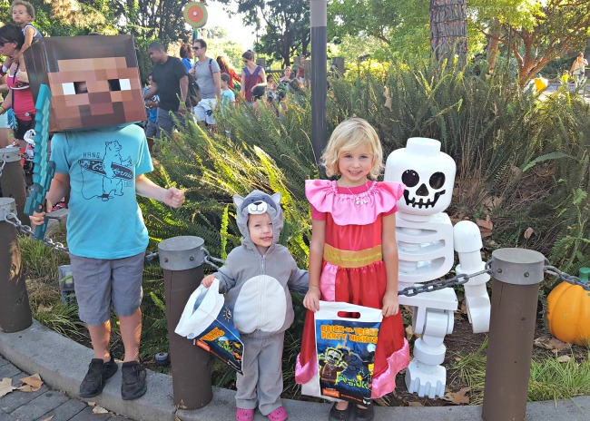 5-reasons-why-you-should-check-out-legoland-california-brick-or-treat-photo-opps