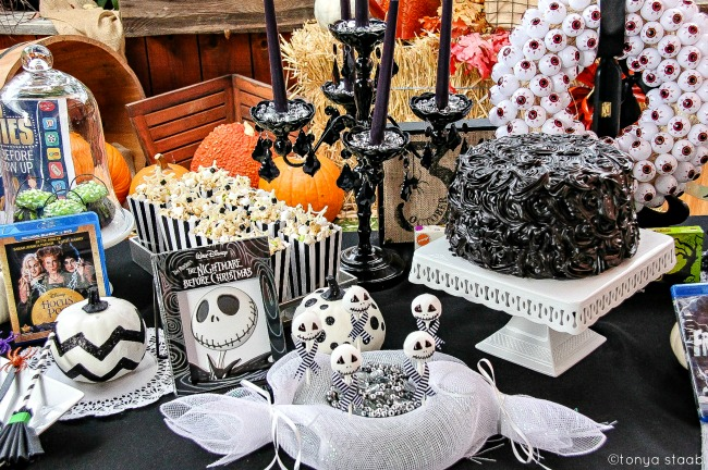 san-diego-bloggers-on-san-diego-living-san-diego-featuring-halloween-movie-based-treats-and-crafts