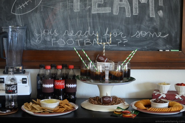 simple-football-party-snack-ideas-savory-and-sweet-dips-tablescape