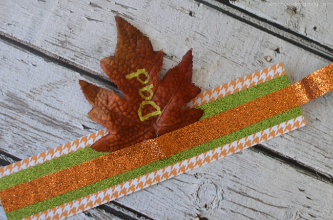 thanksgiving-napkin-ring-placeholders-secure-leaf-in-place-with-tape