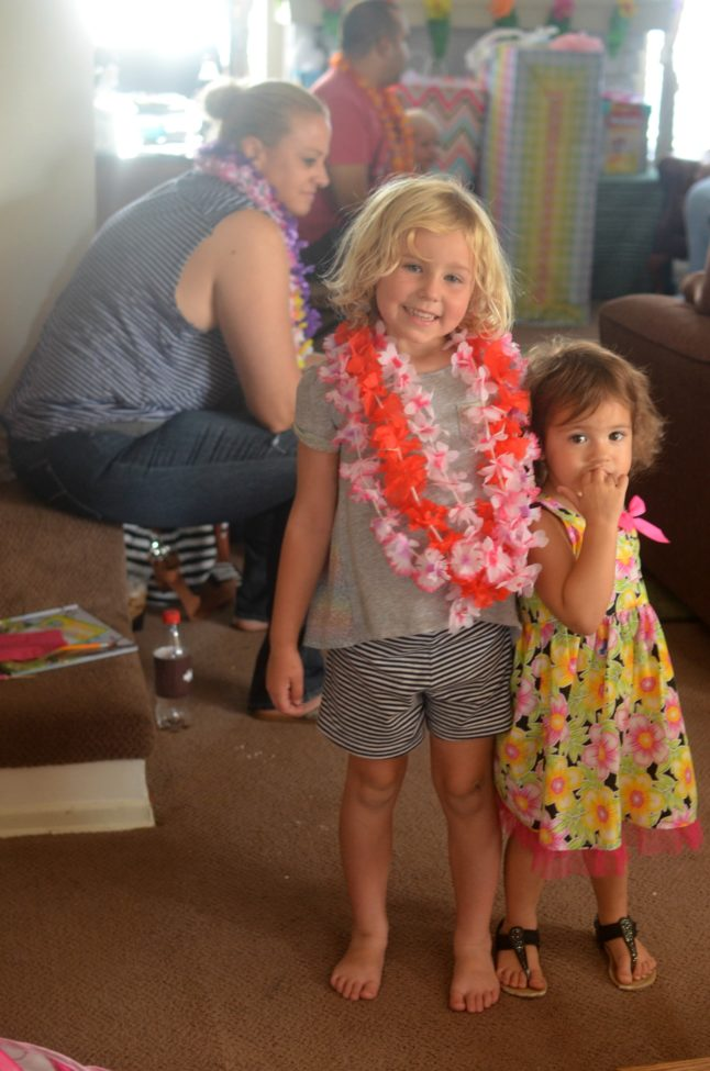 aloha-hawaiian-themed-baby-shower-10